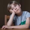 Duizenden kinderen met autisme zitten noodgedwongen thuis