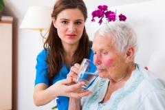 Van Rijn: miljarden voor verpleeghuizen echt nodig