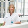 Prof. dr. Janneke van der Woude ontvangt Corrie Hermann Prijs