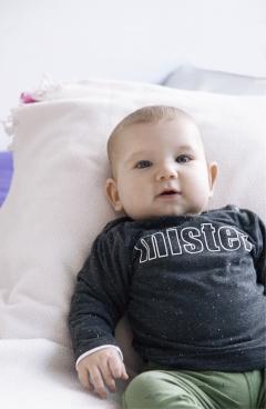 Op de cover: Justin (vier maanden)